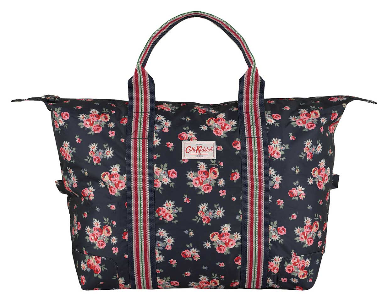 cath kidston faltbare reisetasche daisy rose blau. Black Bedroom Furniture Sets. Home Design Ideas